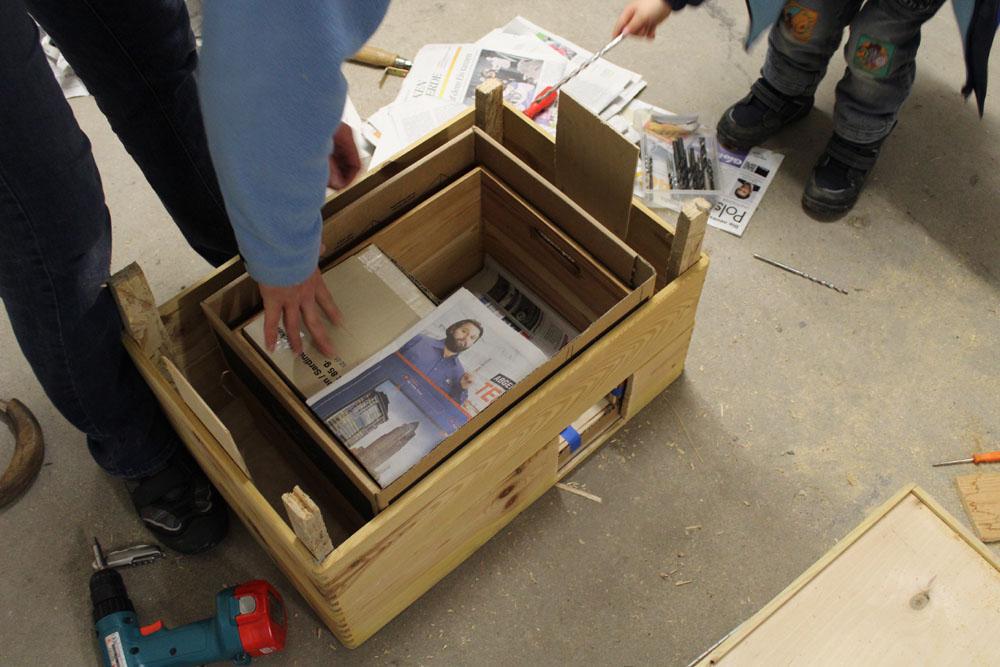 wir bauen ein igelhaus dirk osada. Black Bedroom Furniture Sets. Home Design Ideas